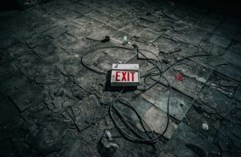 exit-abandoned-1834759_640